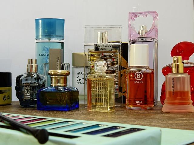 cosmetics-2389775_640