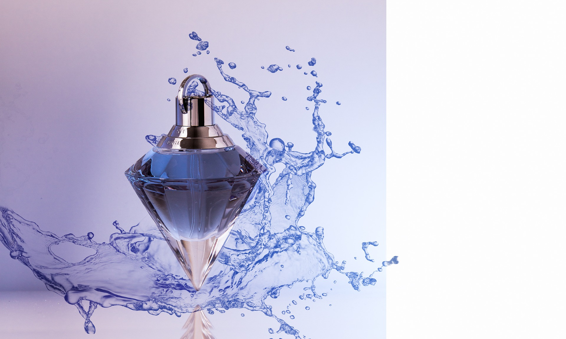 perfume-3275960_1920.jpg