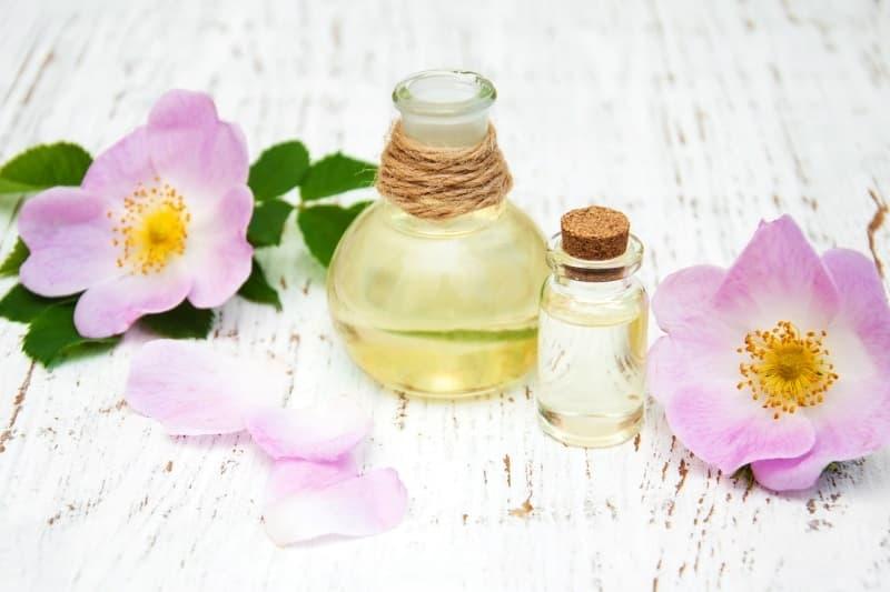 las propiedades del aceite rosa mosqueta y su uso en cosmetica
