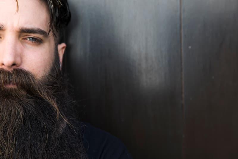 que-es-el-aceite-para-barba-como-se-aplica-y-cuales-son-los-mejores