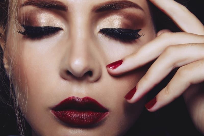maquillaje para ojos hundidos